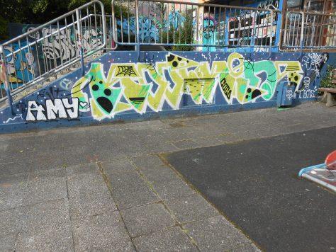haus der jugend wupperal elberfeld - graffiti sept 2015 -KOOLKIDS (1)