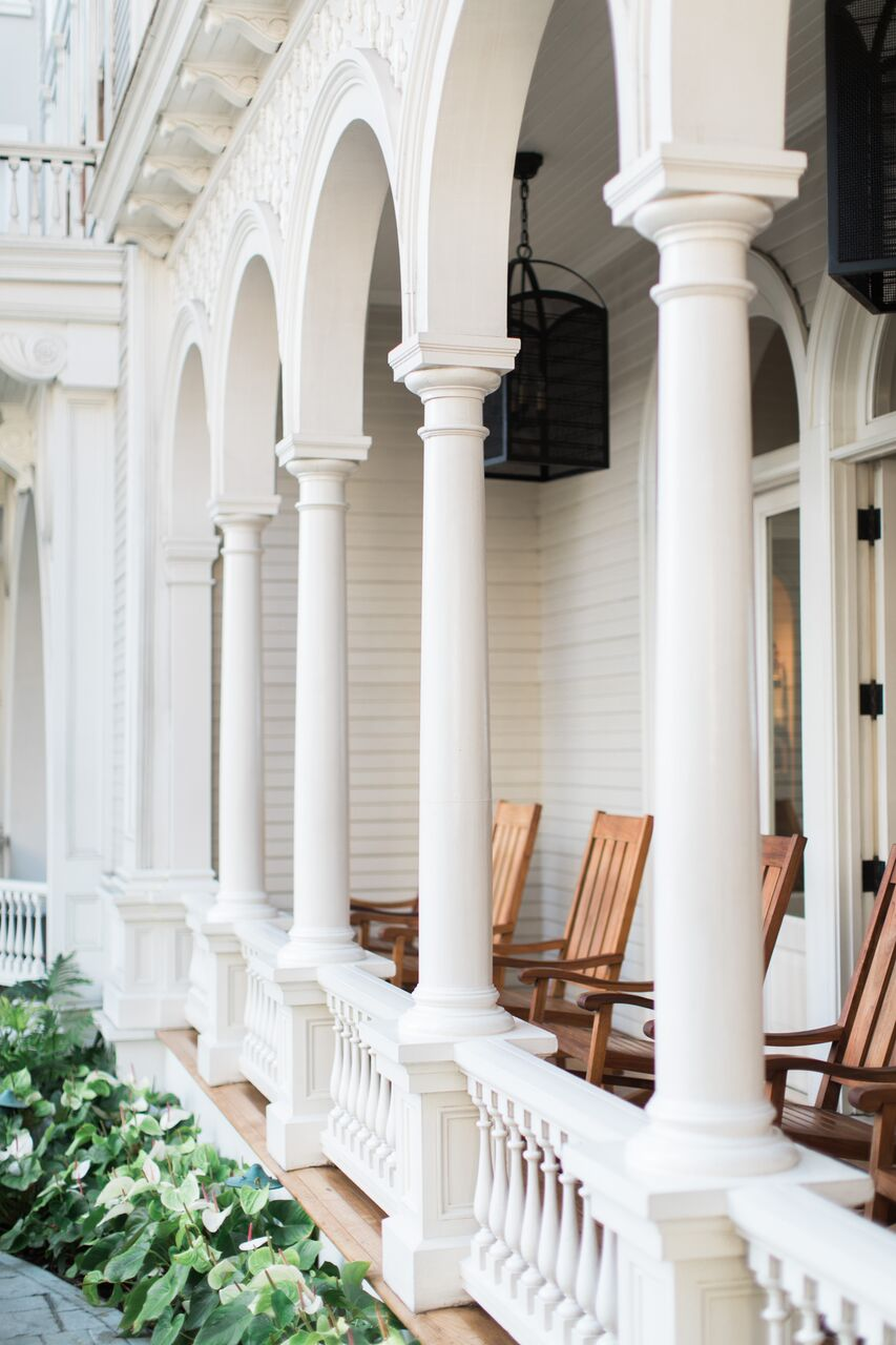 Moana Surfrider Hotel in O'ahu such beautiful plantation style white architecture