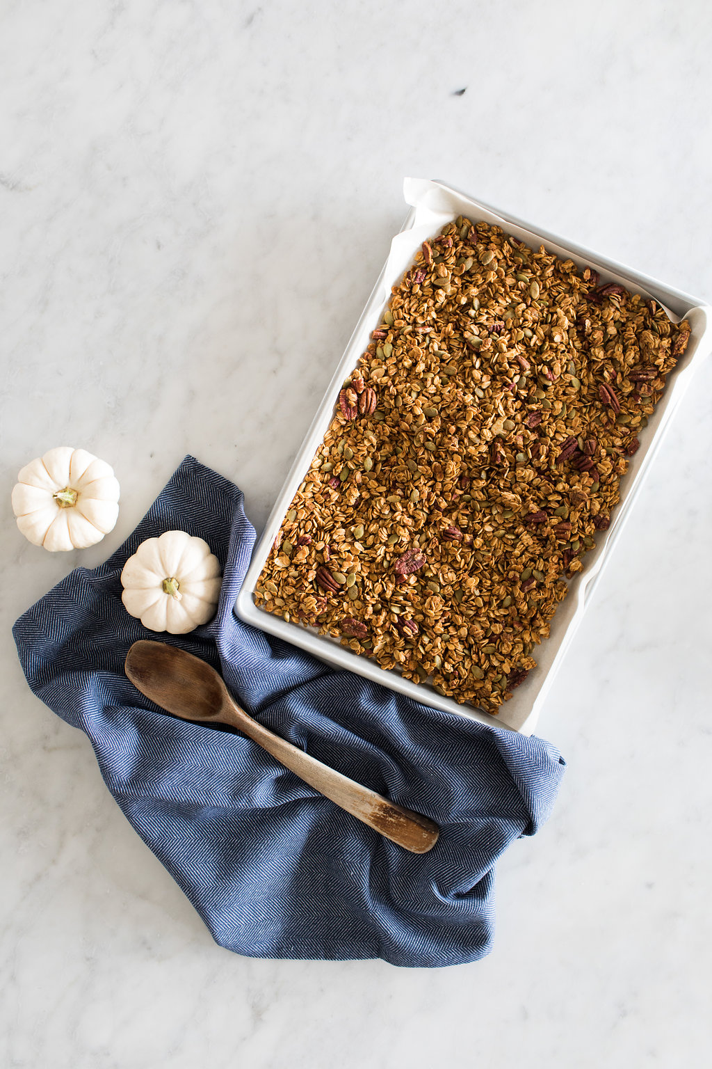 Fraiche Nutrition shows you how to make your own Pumpkin Pecan Granola from scratch!