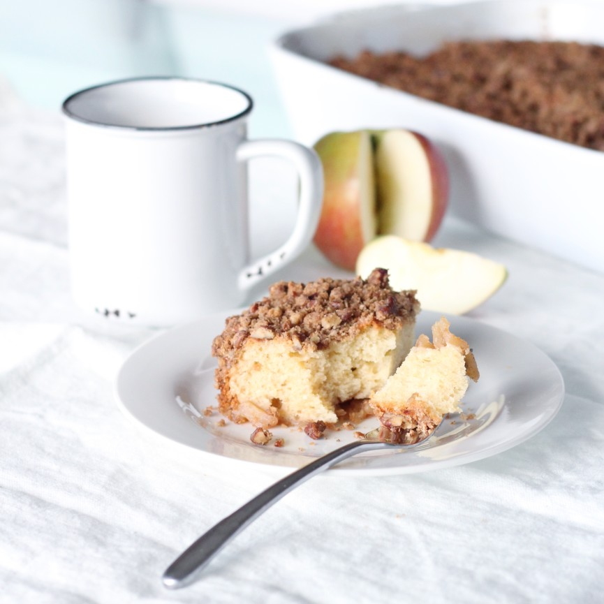 Apple Greek Yogurt Cake