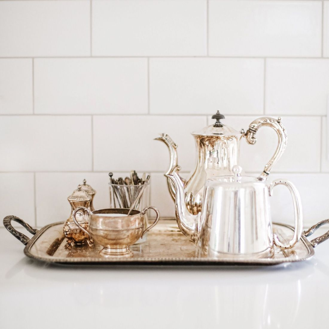 Vintage tea set: Tips for a sustainable kitchen from food blogger Tori Wesszer of Fraiche Living