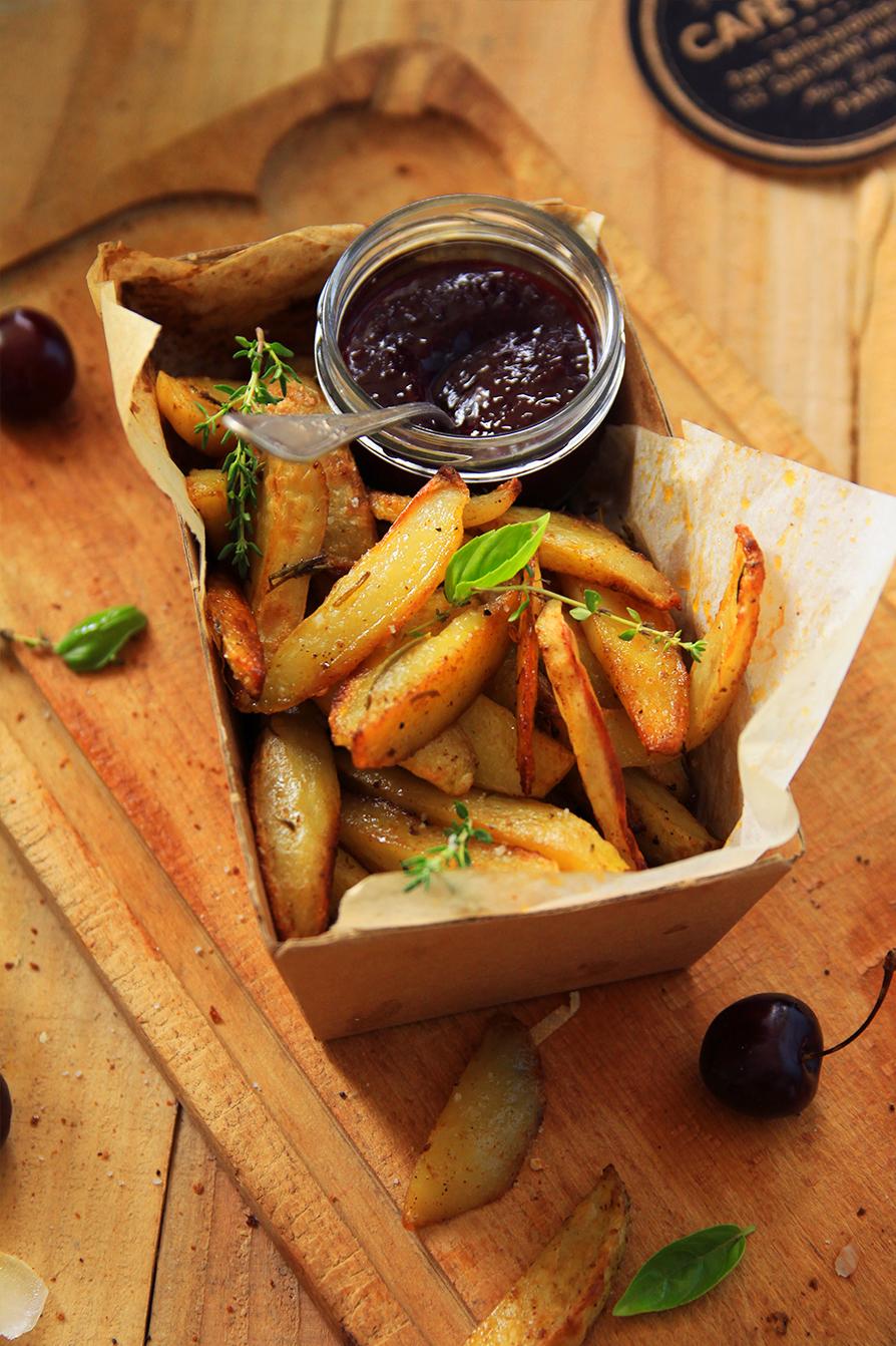 Frites-maison-et-ketchup-aux-cerises-noires2