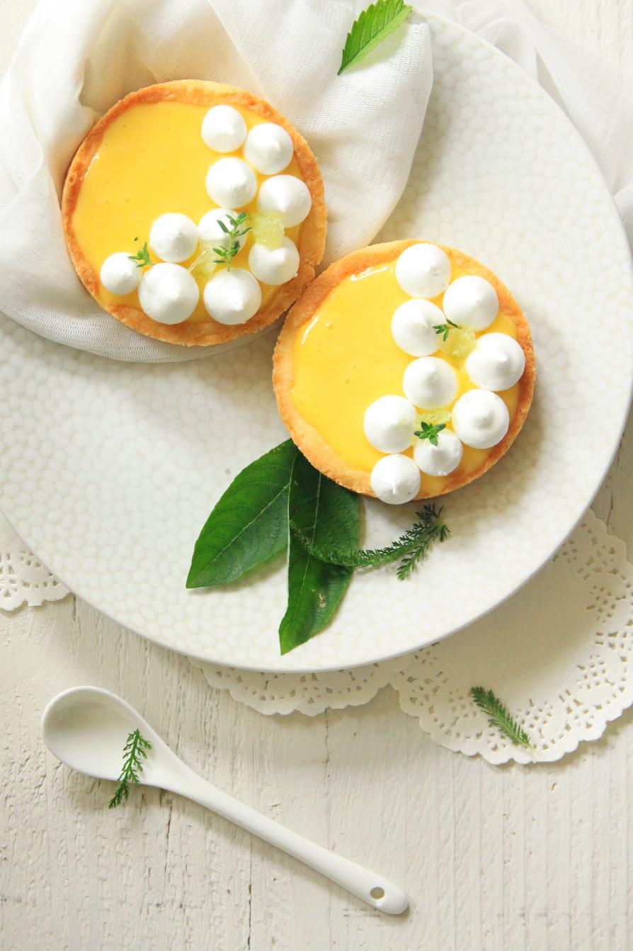 Tartelettes-au-citron-et-petites-meringues