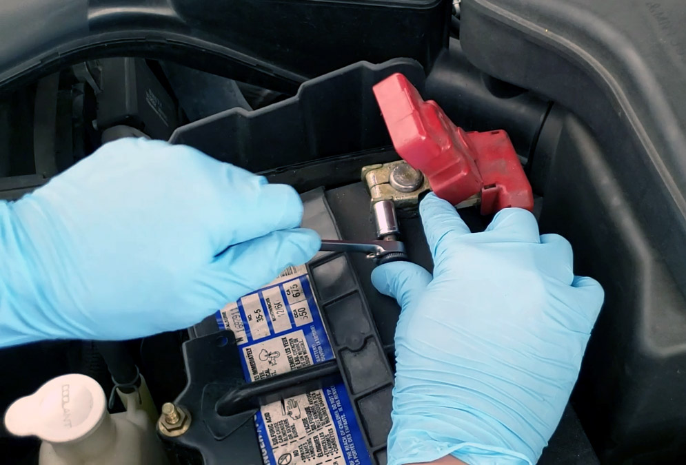 Removing positive (Red) wire from 12V car battery