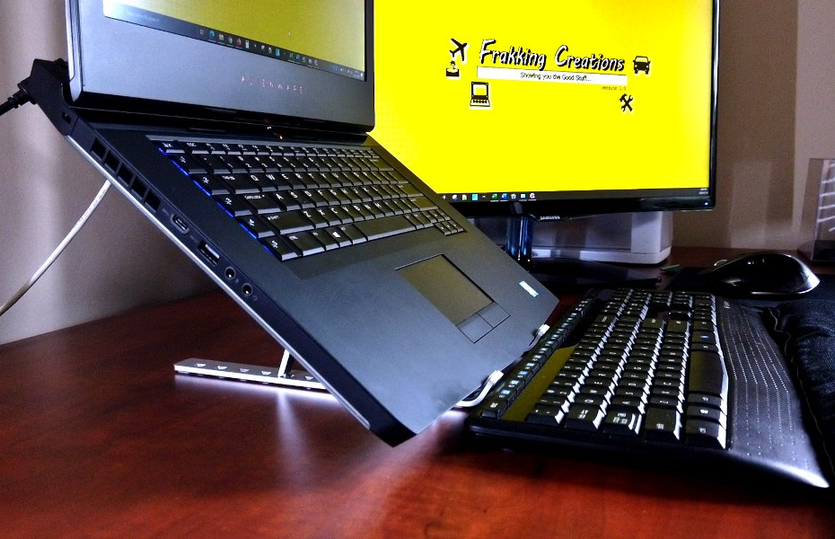 Blog_Tech_Best Portable Laptop Stand for home, office, back to school & travel - Must have laptop accessory