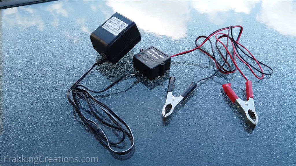 Battery Float charger / battery maintainer to charge a car battery