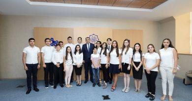 Azərbaycan Uşaqlarının IV Forumuna seçilmiş bir qrup uşağın nazir ilə görüşü təşkil edilib