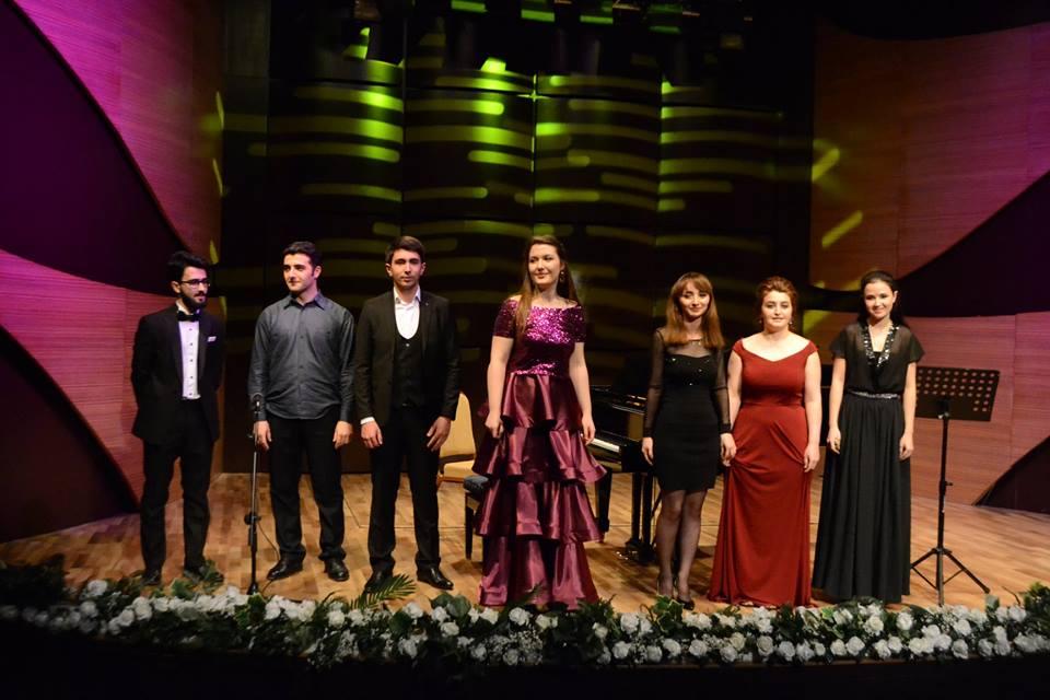 Beynəlxalq Muğam Mərkəzində gözəl fortepiano musiqisi gecəsi keçirilib