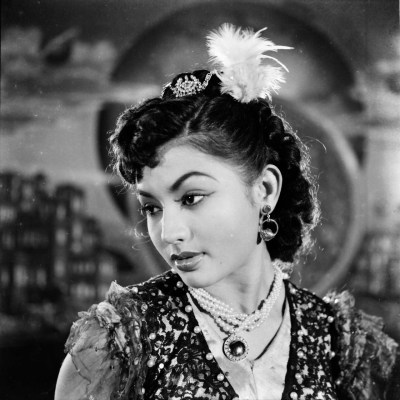 The Representation of White Western Women in Bollywood Cinema: the White Devil in Awaara