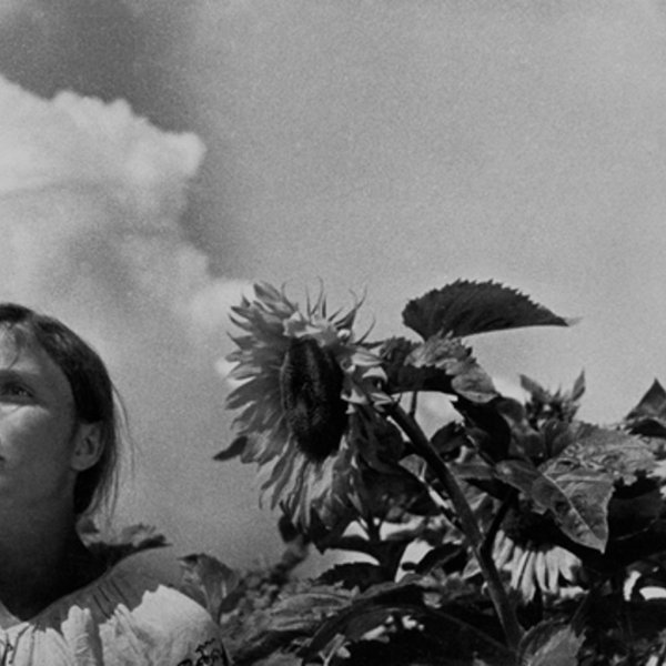 Dovzhenko's Earth: The End and Beginning of a Life-cycle