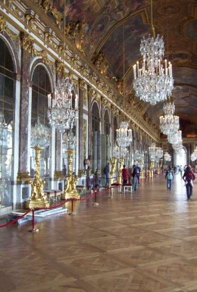 An image of the Hall of Mirrors in the Palace of Versailles in France.