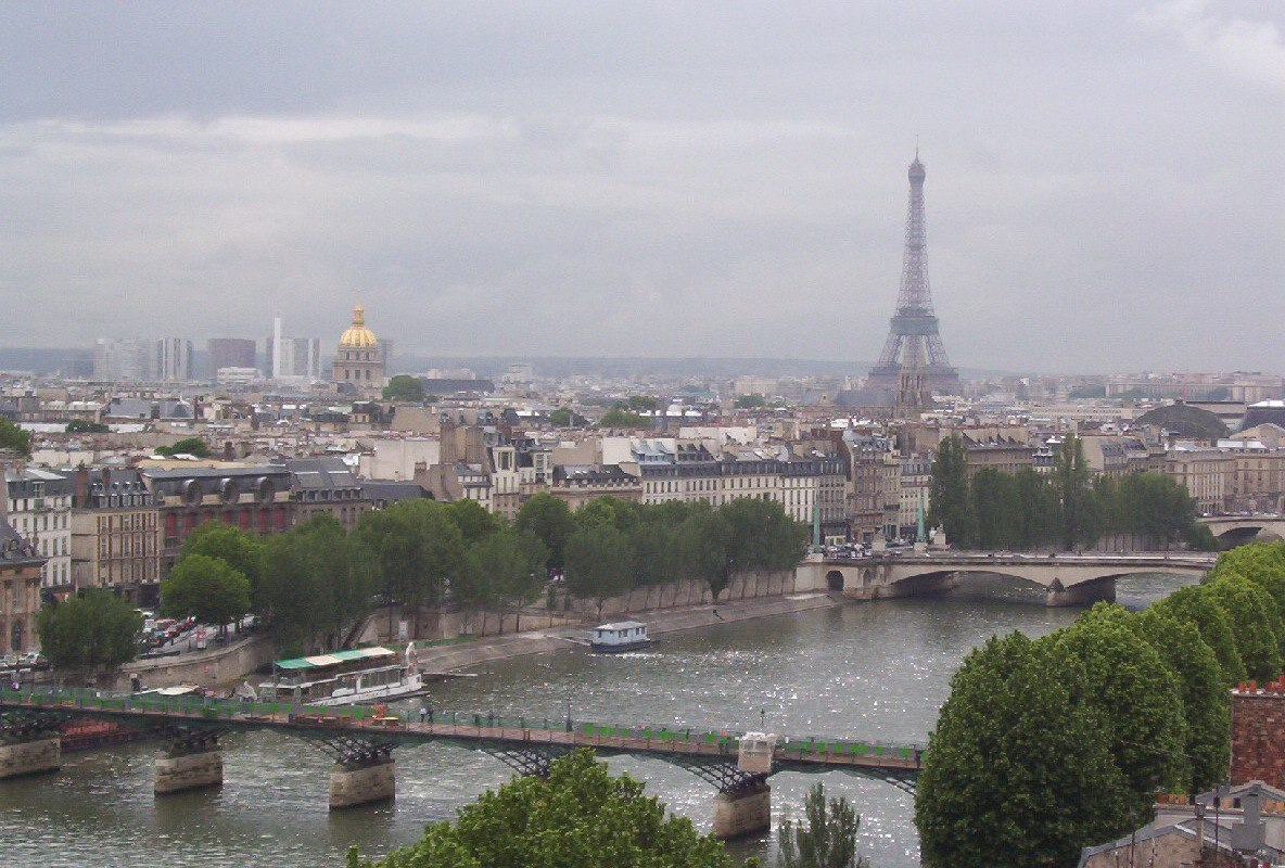 our walk through a world of history in paris. Black Bedroom Furniture Sets. Home Design Ideas