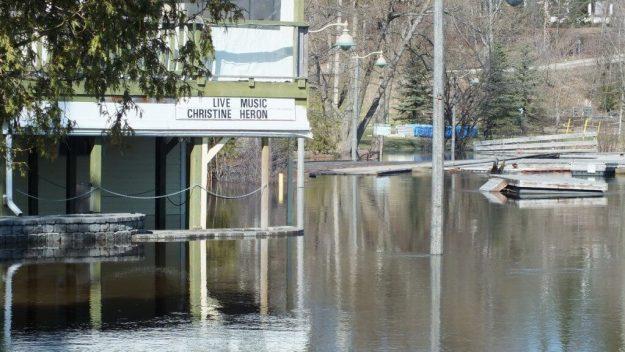Huntsville flooding - flooded pub - Ontario - April 21 2013