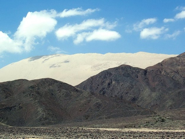 Cerro Blanco sand mountain near Nazca in Peru, South America