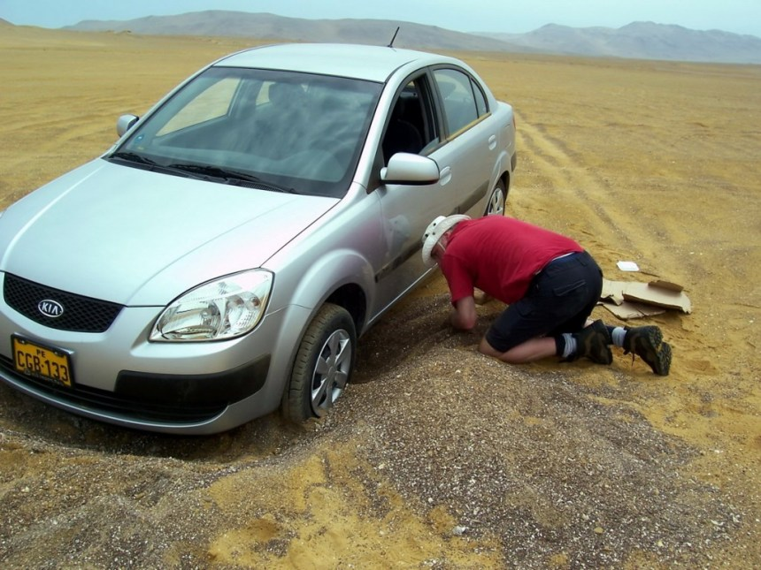 our car stuck in sand - National Reserve of Paracas - Peru