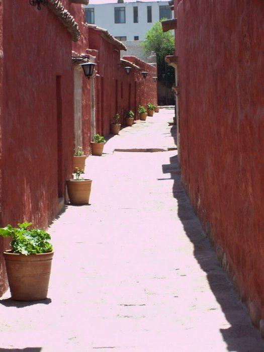 Narrow laneways, Santa Catalina de Siena Convent, Arequipa, Peru