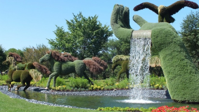 Mother Earth (horses running away) - Mosaiculture - Montreal Botancial Gardens