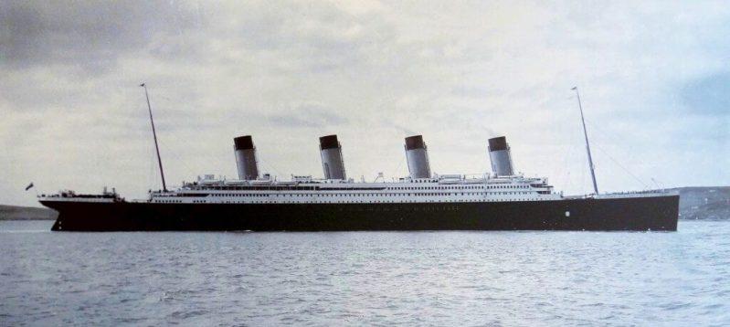 Titanic-Cobh-Harbour-1912