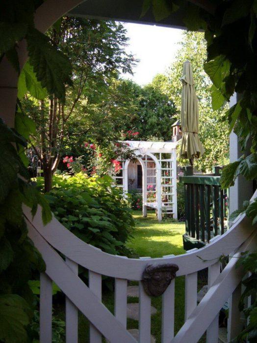 gateway to a garden of flowers - toronto - ontario