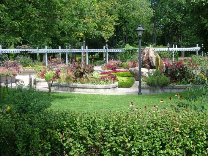 rosetta mcclain gardens, formal gardens area, toronto