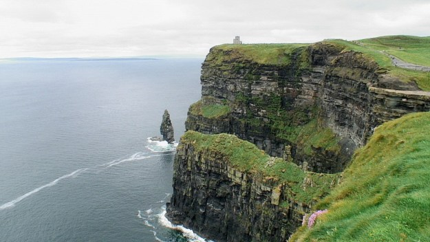 cliffs of moher with o'briens tower
