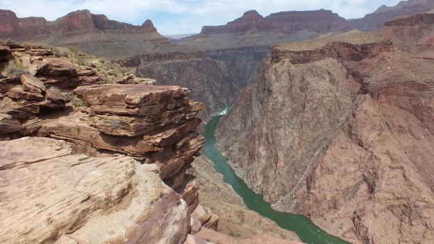 colorado river viewed from plateau point lookout 19b