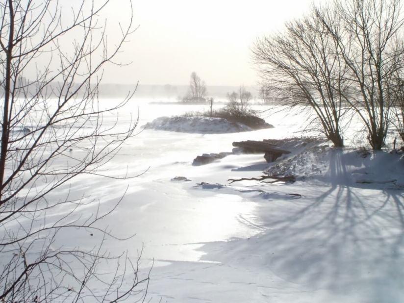Wind swept shoreline in the winter at La Salle Park, in Burlington, Ontario