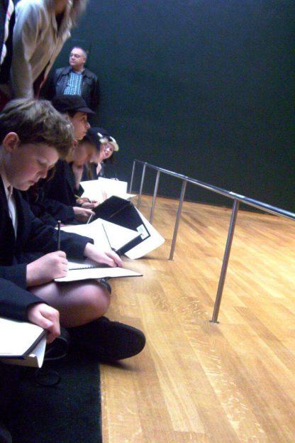 students sketch at rijksmuseum - amsterdam