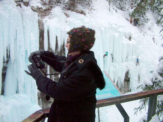 ice climbing in johnston canyon - banff 10