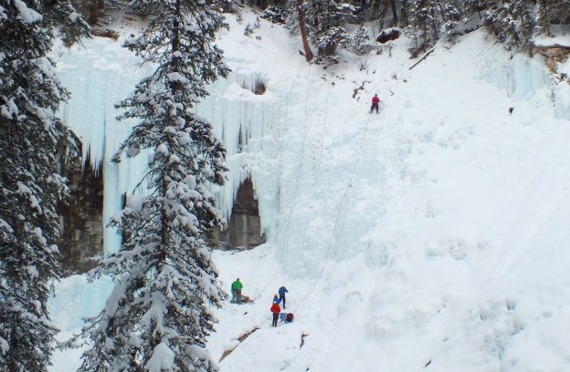 ice climbing in johnston canyon - banff 11