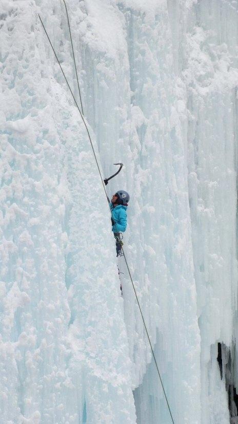 ice climbing in johnston canyon - banff 7