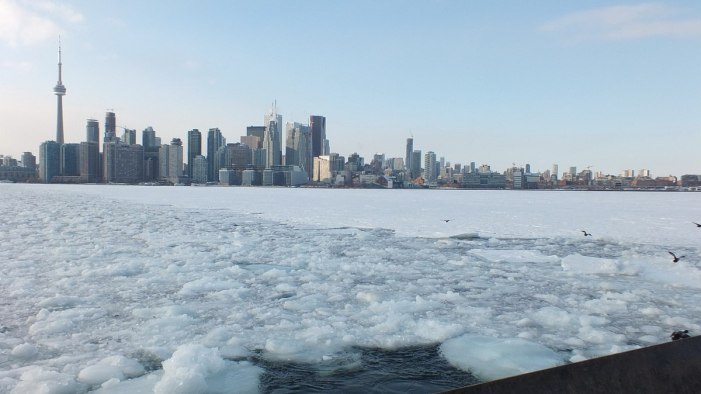 toronto harbour iced in
