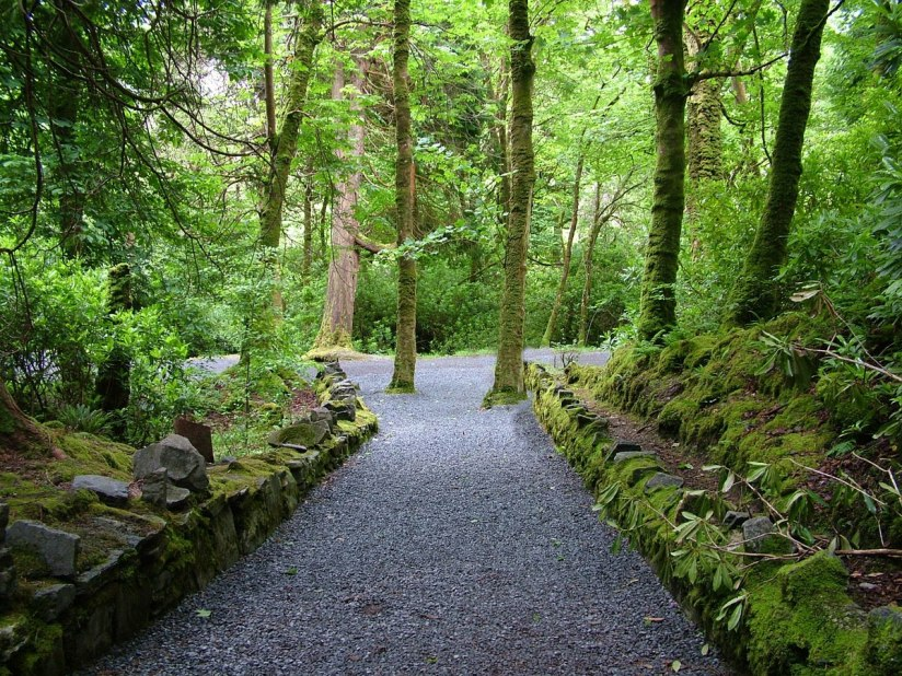 An image of a walking trail at Kylemore Abbey in Connemara, County Galway, Ireland. Photography by Frame To Frame - Bob and Jean.