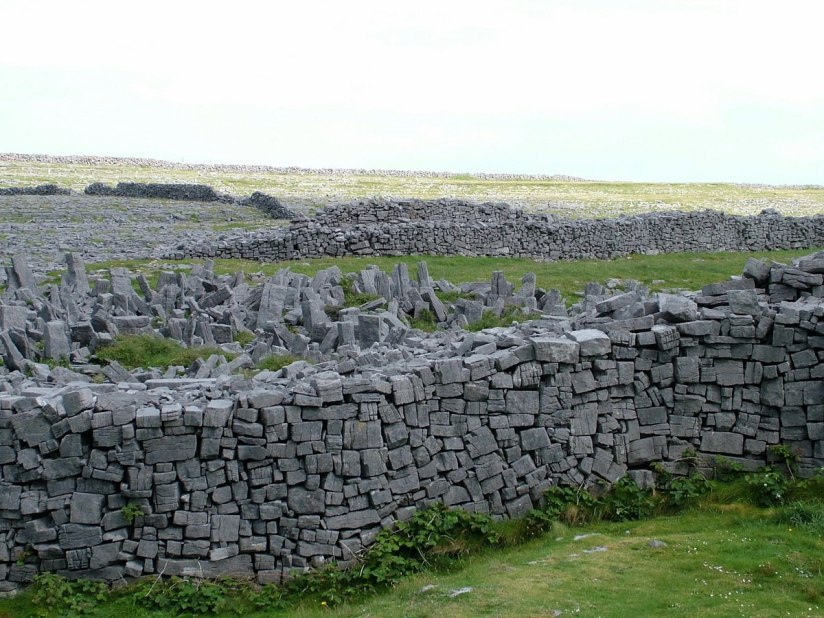 An image of the defensive stone walls around Dun Aonghasa Fort on Inishmore Island in Ireland. Photography by Frame To Frame - Bob and Jean.