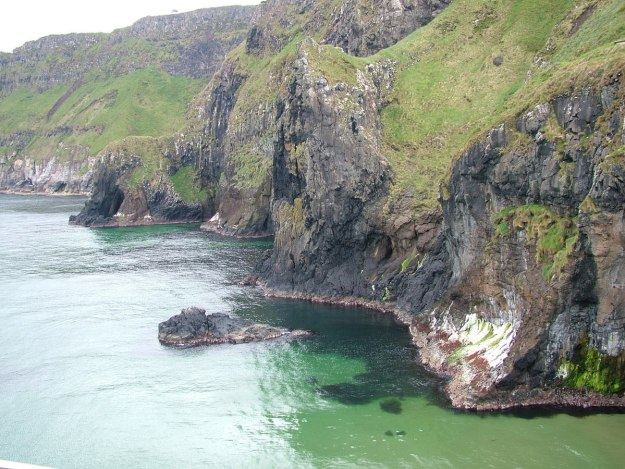 An image of the North Atlantic coastline near Carrick-a-Rede Island, Northern Ireland. Photography by Frame To Frame - Bob and Jean.