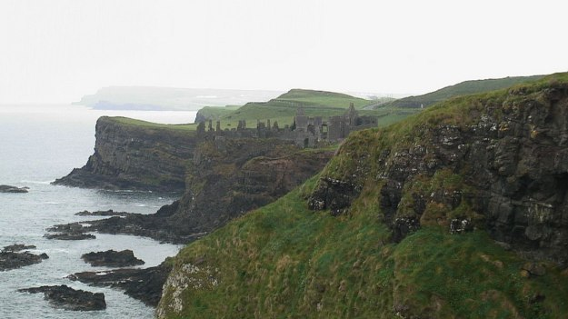 An image of Dunluce Castle on the coast of the North Atlantic Ocean in County Antrim, Northern Ireland. Photography by Frame To Frame - Bob and Jean.