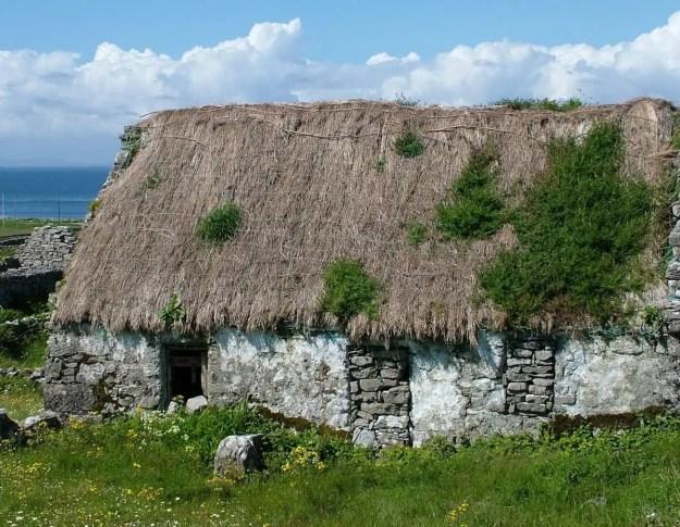 stone thatched cottage, inishmore island, ireland 2
