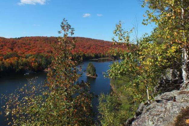 fall colors, oxtongue lake, ontario, pic 5
