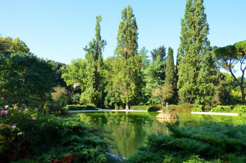 An image of a lake in Villa Borghese Park in Rome, Italy. Photography by Frame To Frame - Bob and Jean.