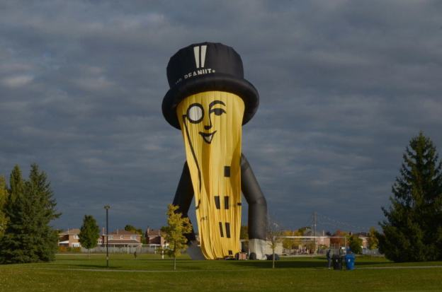 mr-peanut-hot-air-balloon-toronto-ontario-pic118