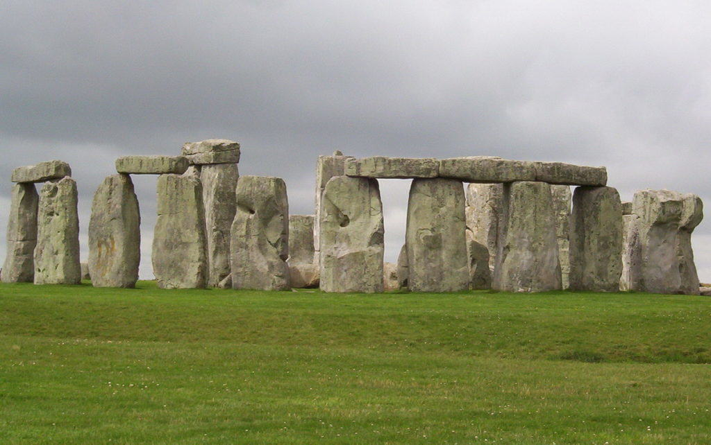 stonehenge-near-wiltshire-england-pic-2-frame-to-frame-bob-and-jean