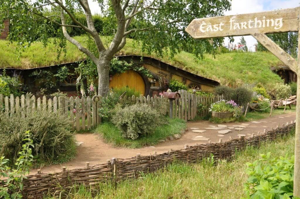sams-house-at-hobbiton-in-matamata-new-zealand