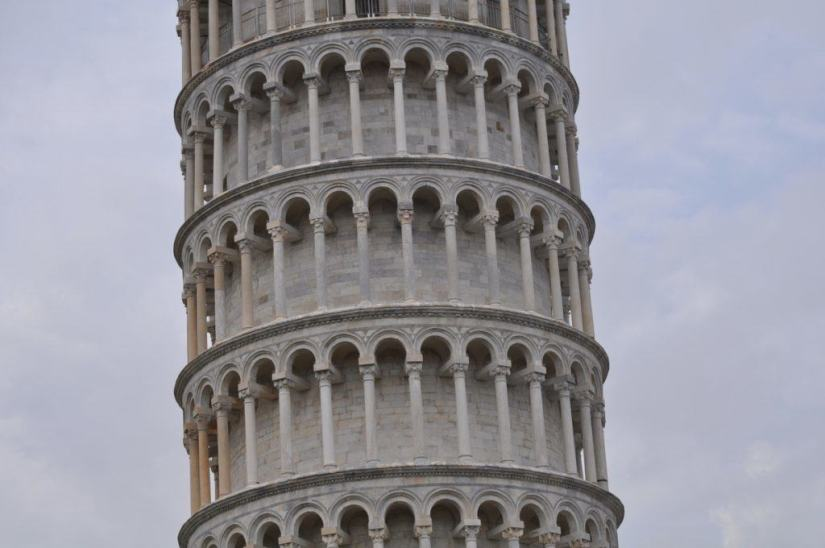 The Miracle Of The Leaning Tower Of Pisa And We Give A Hand