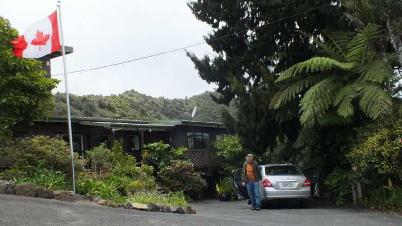 An image of Lone Kauri Lodge in New Zealand.