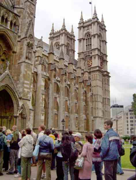 An image of the lineup at Westminster Abbey in London, England.