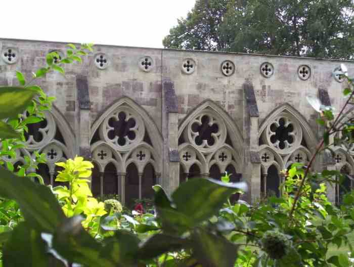 Image of the quatrefoils and cinquefoils of the cloisters at Salisbury Cathedral in England