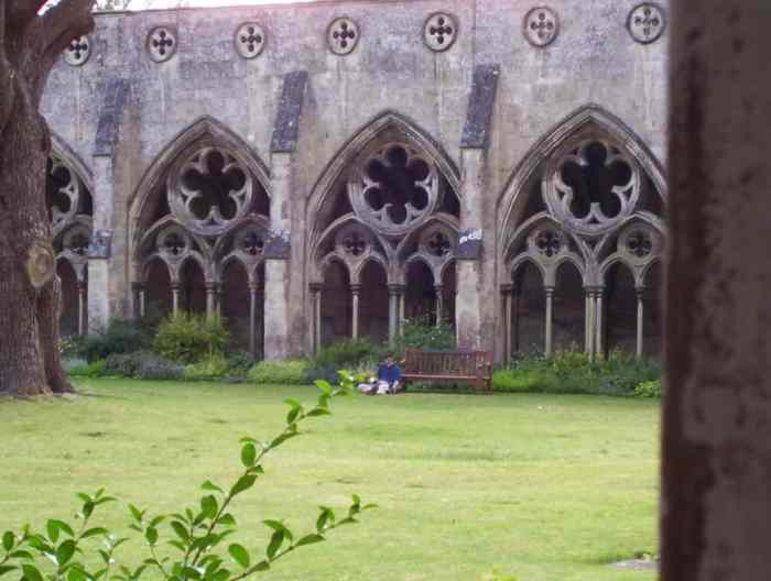 Image of the green lawn inside the cloister garden at Salisbury Cathedral in England.