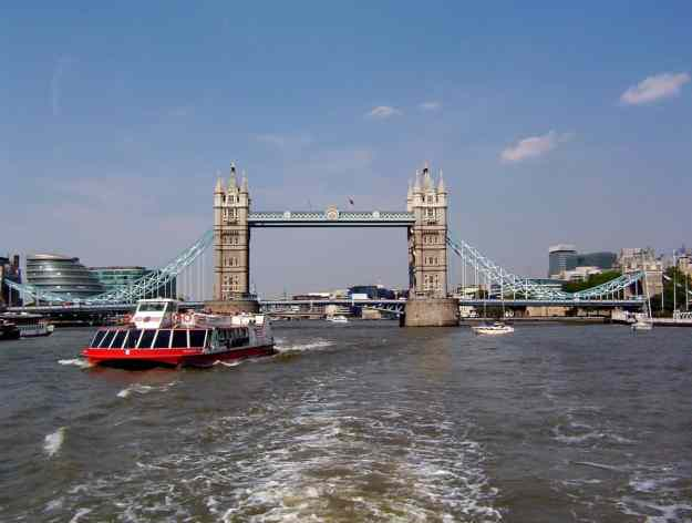An image of Tower Bridge in London, England.