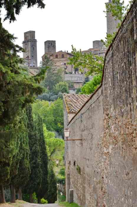Image of the defensive walls of San Gimignano in Italy.