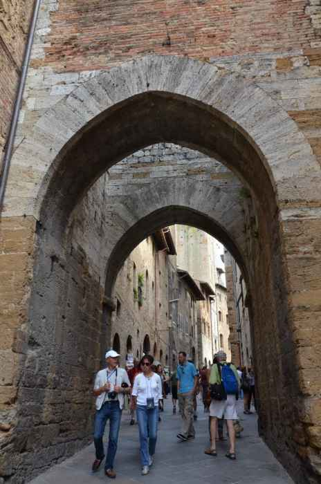 Image of laneway to the main square in San Gimignano, Italy.
